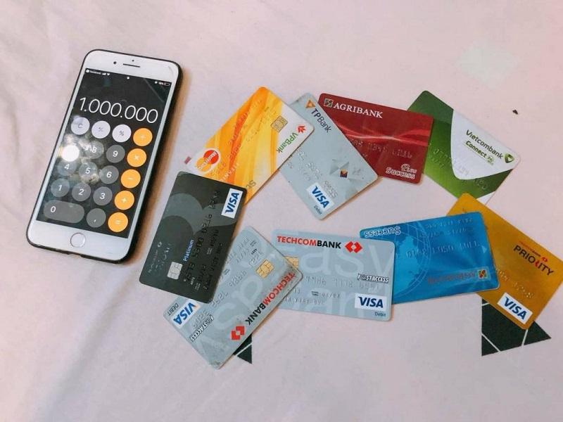 Lợi ích của đáo hẹn thẻ tín dụng