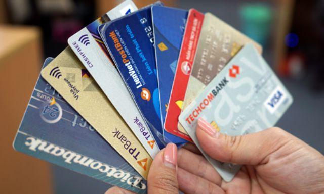 Copy thẻ được cấp hạn mức bằng với thẻ tín dụng cũ để chi tiêu, mua sắm miễn lãi trong 45 ngày